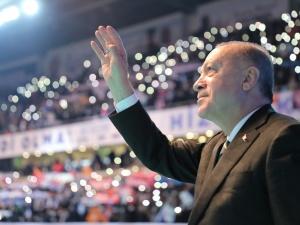 Koronawirus? Nie w Turcji. Erdogan urządza wielki wiec partyjny