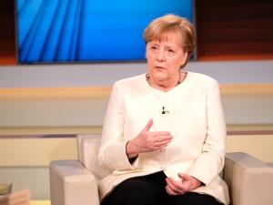 Polityczny teatr małp. Niemieckie media: Rząd doprowadził do chaosu podczas pandemii