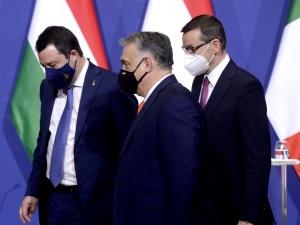 Nowe rozdanie kart? Włoskie media o spotkaniuOrbana, Morawieckiego iSalviniego