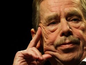 """[""""TS"""" Nr 23 (60) 10.11.89] Václav Havel: Nasza szlachta była zniemczona, wy mieliście własną, polską"""