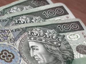 Podwyżki płac i nagrody jubileuszowe w Grammerze