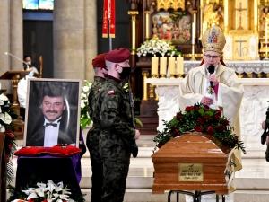 Ostatnie pożegnanie Krzysztofa Krawczyka. Prezydent: Nigdy nie zapomnimy jego silnego, tak bardzo…