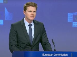 Oho. Komisja Europejska: Z uwagą i niepokojem śledzimy wydarzenia związane z RPO w Polsce
