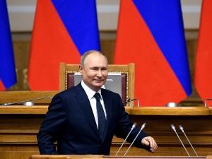 Zełenskiproponuje Putinowi spotkanie w Watykanie. Rzecznik Kremla zabieragłos