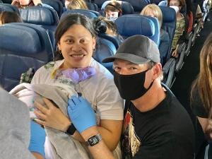 USA: Dziecko przyszło na świat w samolocie. Matka nie wiedziała... że jest w ciąży!
