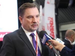 Dziś konferencja prasowa przewodniczącego NSZZ Solidarność ws. emerytur stażowych. Transmisja na Tysol.pl