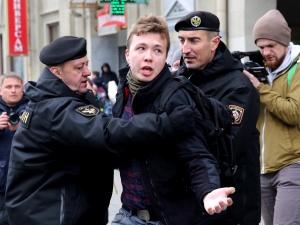 Premier Litwy żąda uwolnienia pasażerów samolotu Ryanair, który lądował w Mińsku
