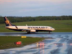 Pilne! Samolot, który przymusowo lądował w Mińsku, dotarł do Wilna. Kogo brakuje?