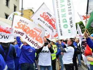 """Rząd odpowiada """"Solidarności"""": Nie nastąpi przerwanie wydobycia w KWB Turów"""