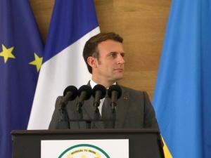 """Macron prosi o wybaczenie za francuską politykę bierności. """"Ciężka i przytłaczająca odpowiedzialność"""""""
