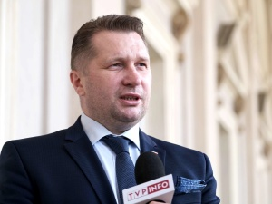 Sejm uchwalił nowelizację. Minister edukacji i nauki będzie mógł ustanawiać programy