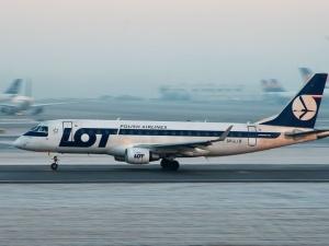 Rosja: Tuż przed startem zatrzymano polski samolot lecący do Warszawy. Służby porwały z niego opozycjonistę