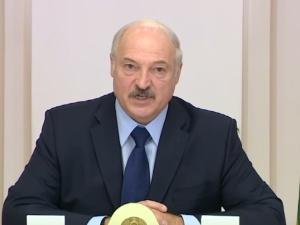 """Paradne! Jak Łukaszenka """"rozwiązuje"""" problem blokady lotniczej? """"Powiedziałem Putinowi..."""""""