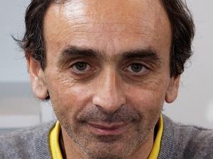 Un conseiller politique de Macron veut réduire le temps de parole d'Eric Zemmour sur Cnews