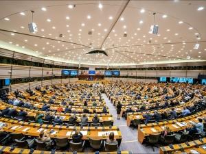 Zielone światło dla unijnych certyfikatów covidowych
