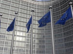 Bezczelność!. KE zwróciła się do polskiego rządu o wycofanie z TK wniosku dot. wyższości prawa krajowego nad unijnym