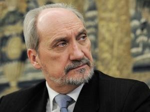Macierewicz: Platforma Obywatelska niknie w oczach. Jedyna jej siła tkwi w układach zagranicznych