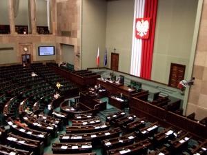 [sondaż] Z kim PiS powinien nawiązać koalicję, gdyby odeszły SP i Porozumienie? Polacy odpowiedzieli
