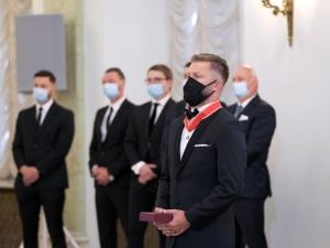 [Video] Prezydent odznaczył piłkarza Jakuba Błaszczykowskiego. Odbiciem każdego mężczyzny jest kobieta