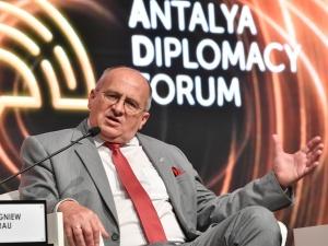 Szef MSZ Zbigniew Rau w Turcji: Ważne jest także, by nie prowadzić do napięć z Chinami