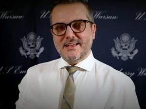 Nieoficjalnie. Amerykański dyplomata chciał pisać w Polsce ustawę o reprywatyzacji. Bix Aliu na cenzurowanym