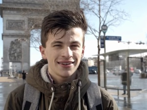 Polskie obozy? 14-latek wywalczył zmiany we francuskim podręczniku. Syna wyśmiewano, ale się nie poddał