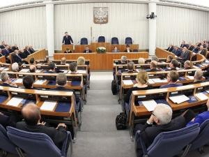 Nieoficjalnie. Opozycja w Senacie ma sabotować sprawę reprywatyzacji i nowelizacji KPA, by uderzyć w PiS