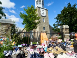 Kolejne ataki na kościoły. Pomazane ściany i wybite okno