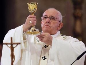 Papież Franciszek jużpo operacji. Watykan zabrał głos ws. stanu zdrowia Ojca Świętego