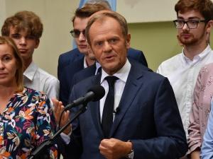 Donald Tusk prosi o wybaczenie: Proszę o zrozumienie i wybaczenie pana Ziobry i jego małżonki