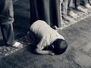 Nastolatka krytykowała islam, dostała ochronę. Skazano 11 osób