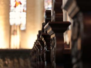Atak na kościół w Koninie. Sprawca rozbił figurę Matki Boskiej, rzucił się na obraz z Jezusem