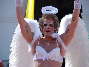 La coupe européenne du support à l'idéologie LGBTQ: une dispute autour du sexe des anges ?