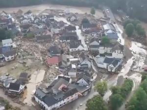Niemcy: 33 osoby nie żyjąpo największej powodzi od 300 lat. Angela Merkel wstrząśnięta