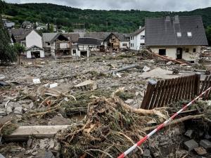 Dramatyczna sytuacja w Niemczech. Już ponad 80 ofiar śmiertelnych nawałnic i powodzi