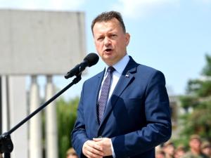 Szef MON: W odpowiedzi na zagrożenia Polska się zbroi