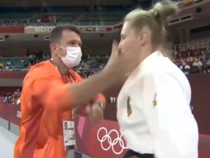 [VIDEO] Szarpanie i dwa uderzenia w twarz. Trener motywuje niemiecką zawodniczkę. Aktywista LGBT w szoku