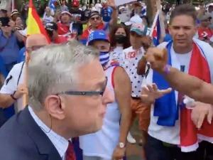 Korespondent TVN został przegoniony z demonstracji Kubańczyków. Teraz zabieragłos [WIDEO]