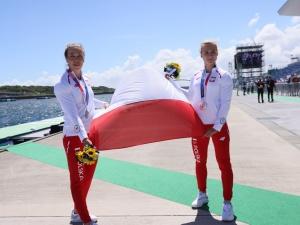Karolina Naja i Anna Puławska wywalczyły srebro w Tokio. Politycy składają gratulacje