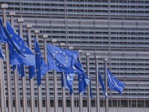 Polska powinna słuchać Brukseli ws. sądownictwa? Zaskakując wynik sondażu