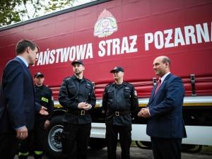 Polska jest krajem solidarności Polacy pomagają Niemcom w usuwaniu skutków katastrofalnej powodzi