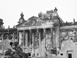 [Nasz wywiad] Obiecaj mi dziecko, że się zastrzelisz. Niemiecki historyk o masowych samobójstwach Niemców w ostatnich dniach III Rzeszy