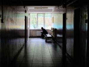 Chora na COVID-19 musiała rodzić w domu. Straciła dziecko