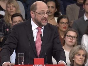 [VIDEO] Martin Schulz bezradnie o Orbanie: Powie: nie chcę rozpustnego, gejowskiego stylu życia