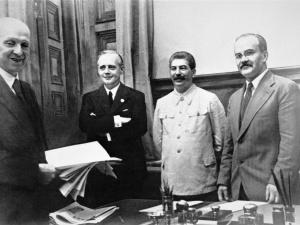 82 lata temu podpisano pakt Ribbentrop-Mołotow
