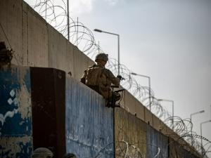 Chodzi o godziny, a nie tygodnie.  Szef brytyjskiego resortu obrony o opuszczeniu Kabulu