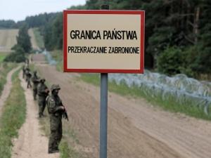 MON: W tym tygodniu ruszy budowa 2,5-metrowego płotu na granicy z Białorusią