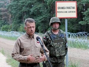 Szef MON: Zdecydowałem o przyznaniu nagród dla żołnierzy, którzy strzegą granic w okolicach miejscowości Usnarz Górny