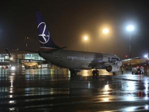 Warszawa: Przyleciał kolejny samolot z osobami ewakuowanymi z Afganistanu