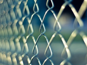 Prawy Sierpowy: Jak zrobić więzienie z całego kraju